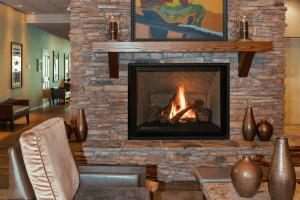 logs-herringbone-roomsetting