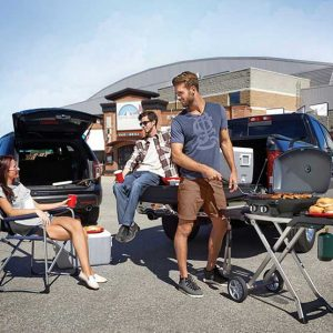ps_tq285x-tailgate_with_sky-napoleon-grills_1075_S
